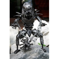 30 cm Scrap Metal Predator with Ball and Chain