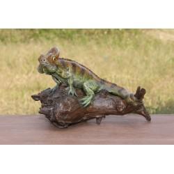 Teak Chamilion Sand Reptile Sculpture