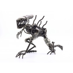 46 cm Scrap Metal Alien Crawling