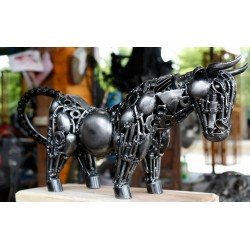42 cm Scrap Metal Raging Bull