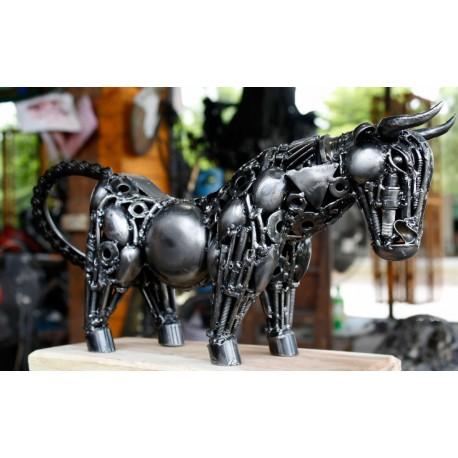 42 cm Scrap Metal Raging Bull