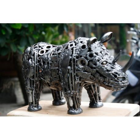 32 cm Scrap Metal Rhino